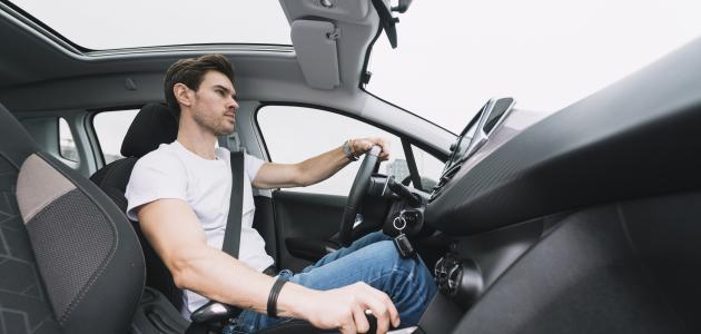 وسائل السلامة في السيارة