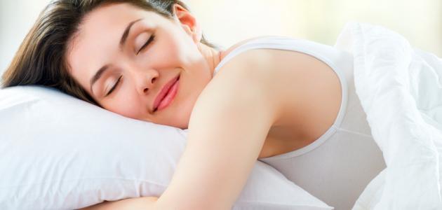 فوائد النوم بالليل