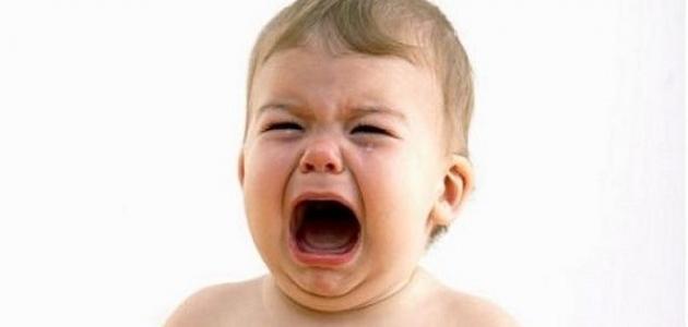 هل البكاء مفيد للطفل