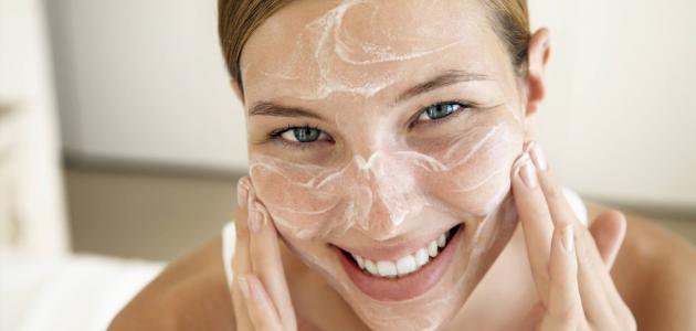 وصفة طبيعية وسهلة لتبييض الوجه