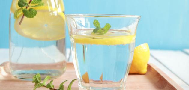 فوائد الماء والليمون للكرش