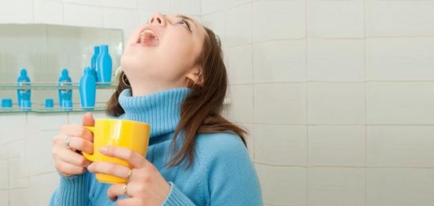 فوائد الغرغرة بالماء والملح