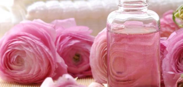 فوائد ماء الورد للعينين