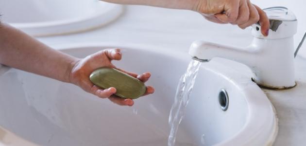 كيف أنظف يدي من الصبغة