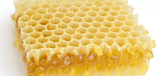 ما هي فوائد أكل شمع العسل