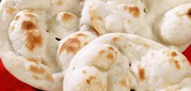 طريقة عمل الخبز العراقي بالتنور