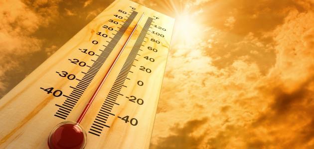 قياس درجة حرارة الجو