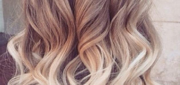 طريقة صبغ الشعر بلونين