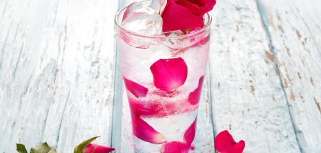 ما فوائد شرب ماء الورد مع الماء