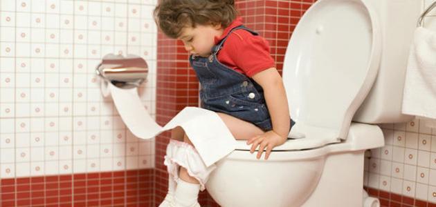 كيفية تعليم الطفل على الحمام