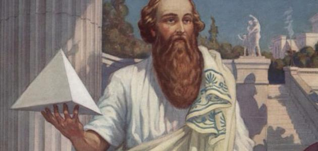 فيثاغورس عالم الرياضيات