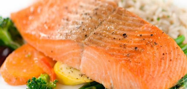 ما فوائد سمك السلمون
