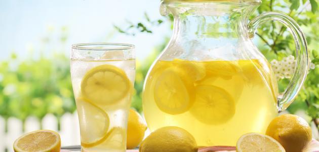 كيفية عمل عصير الليمون الطبيعي
