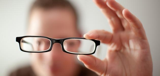 ما الفرق بين قصر النظر وطول النظر
