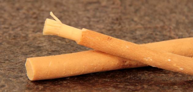 ما فوائد السواك للأسنان