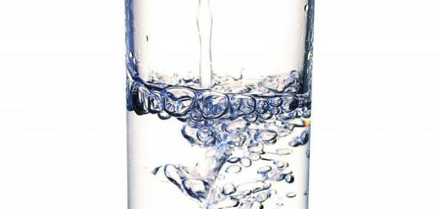 ما أضرار شرب الماء بكثرة