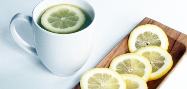 ما فوائد شرب الماء مع الليمون