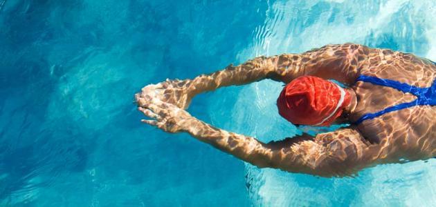 ما فوائد السباحة للجسم