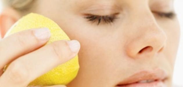 ما أضرار الليمون على البشرة