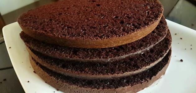 صنع كعكة الشوكولاتة
