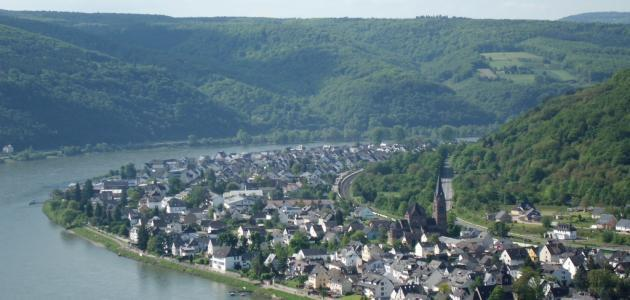 ما أهمية نهر الراين في ألمانيا