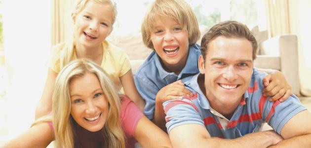 ef86bbca6 مقومات السعادة الأسرية - موضوع