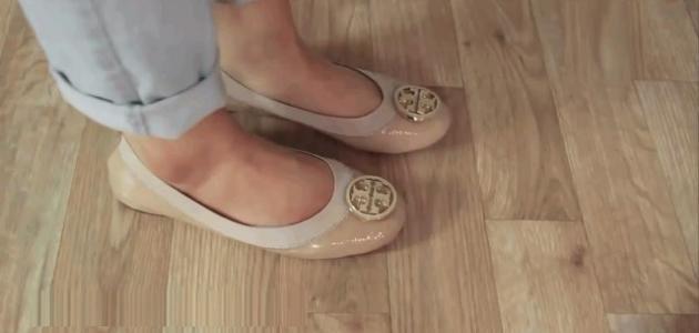طرق تضييق الحذاء الواسع