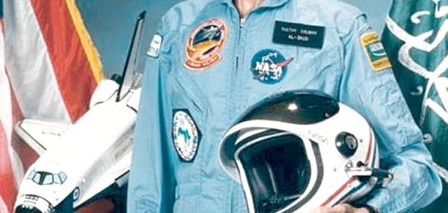 خبز الجهد االكهربى رئيس اول رائد فضاء يطير حول الارض Comertinsaat Com