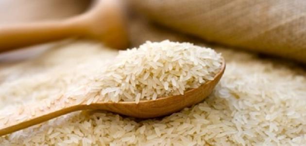 ما هي أضرار أكل الأرز النيء
