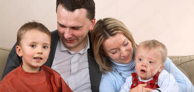 مظاهر عناية الوالدين بالطفل
