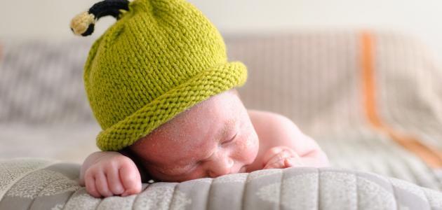 طريقة تنظيم نوم الطفل الرضيع