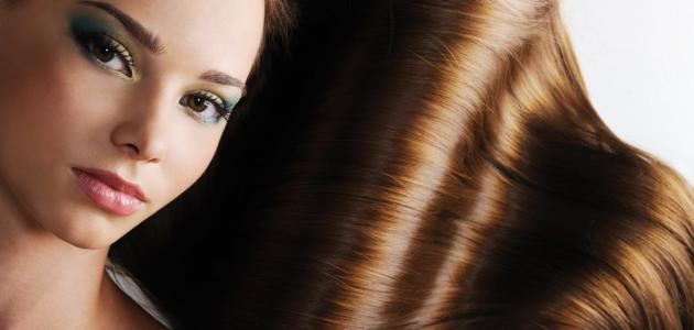 كيفية فرد الشعر بطريقة طبيعية