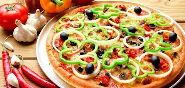 مكونات البيتزا العراقية