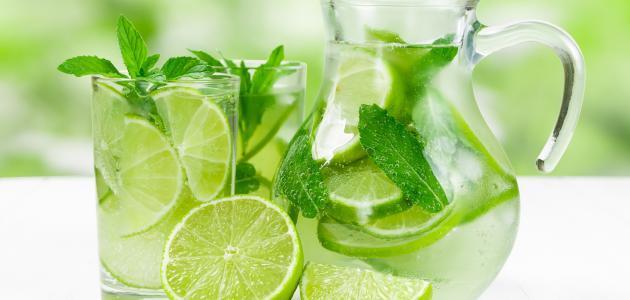 طريقة عمل عصير الليمون الطازج