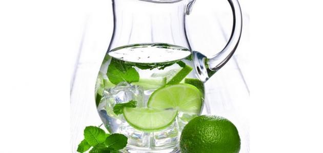 فوائد شرب الماء مع الليمون صباحاً