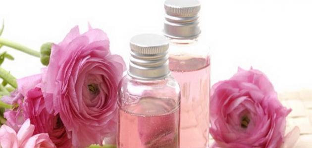 فوائد زيت الورد لتفتيح البشرة