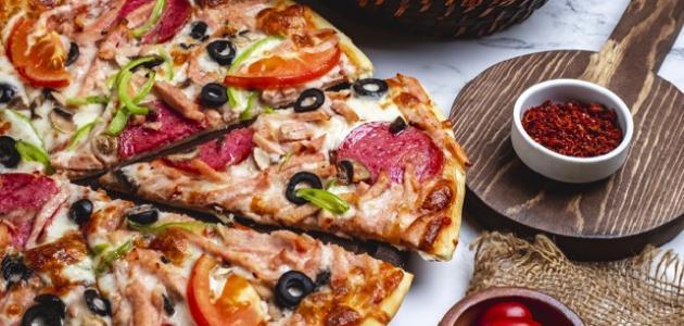 طريقة عمل سلطة البيتزا