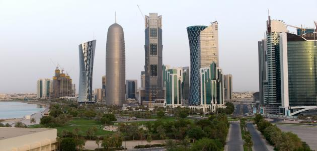 كم مساحة دولة قطر
