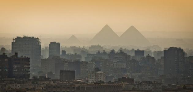 من بنى مدينة القاهرة