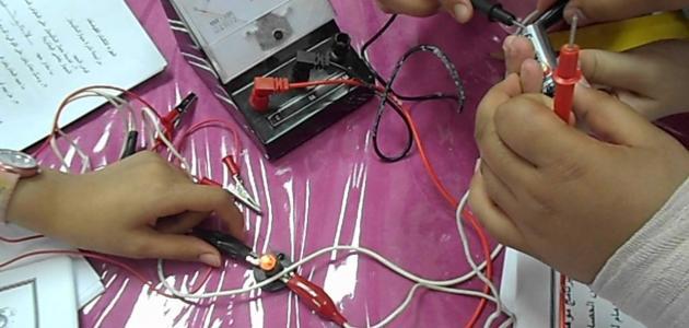 قوانين شدة التيار الكهربائي