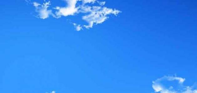 ما هو لون السماء