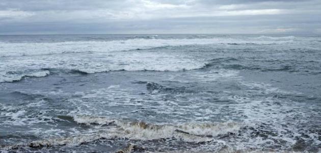 المد والجزر في البحر