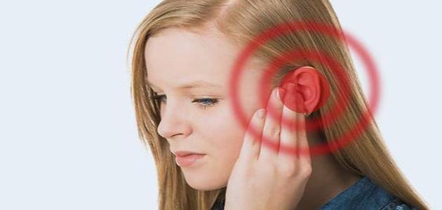 سبب سماع صوت في الأذن