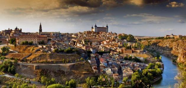 مدن سياحية في إسبانيا