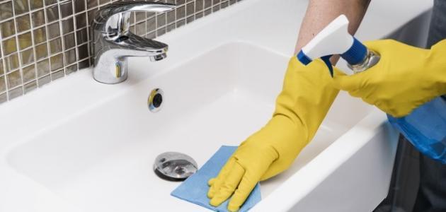 كيفية تنظيف سيراميك الحمام