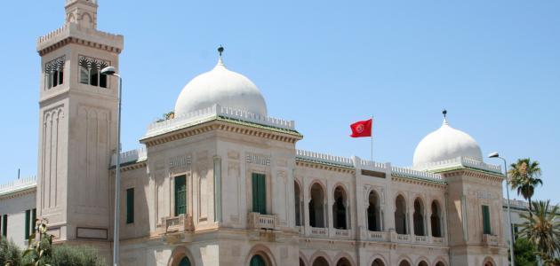 مساحة تونس وعدد سكانها