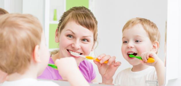 ما هو تنظيف الاسنان