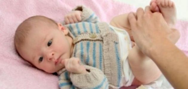 كم عدد مرات التبرز للطفل الرضيع