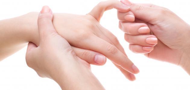 إحذر! ستفاجئ عندما تعرف لماذا يحدث تنميل اليدين القدمين والاطراف و ...