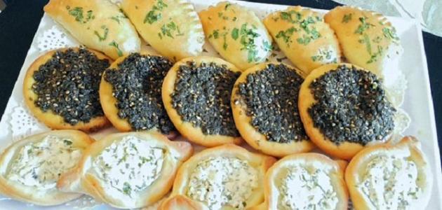 طريقة عمل فطائر الزعتر والجبنة